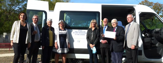 Nouveau véhicule de transport à l'EHPAD La Roselière